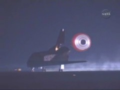 NASA TV Screen Capture of Endeavour's landing, via NewsFromSpace